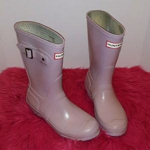 PREOWNED HUNTER BOOTS